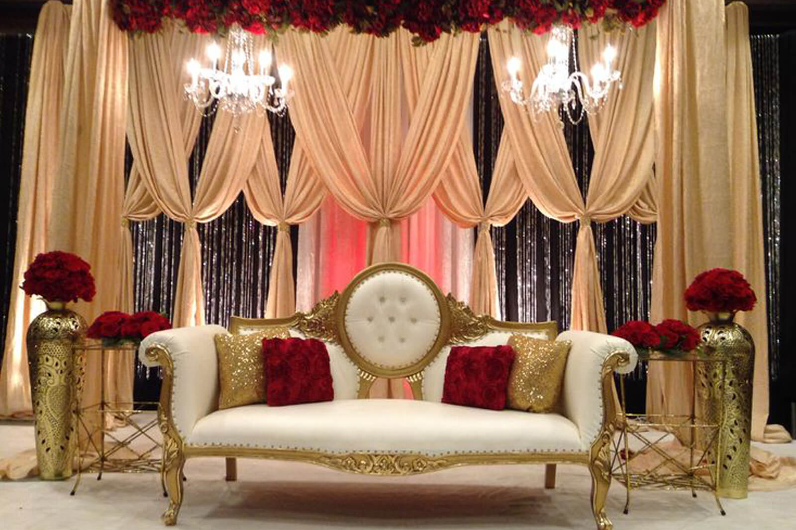8 stunning stage decor ideas that will transform your for Red decoration for wedding
