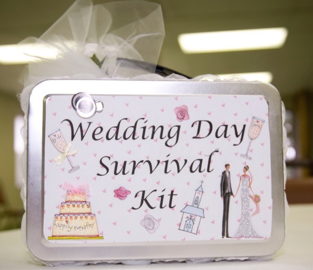 10 Things You Cannot Afford To Miss In Your Bridal Emergency Kit
