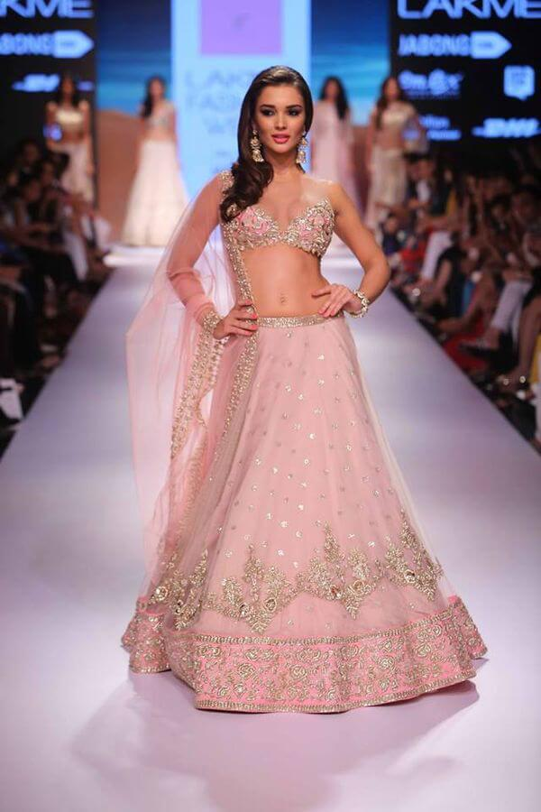 18 mustsee indian dresses from lakme fashion week 2015