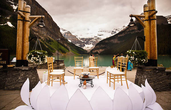 destination weddings mountains lake louise