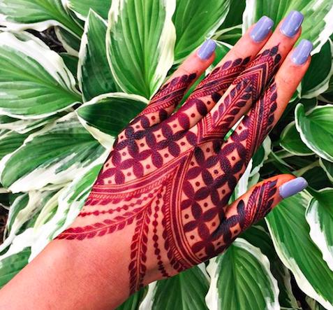 Unique henna mehendi design for brides